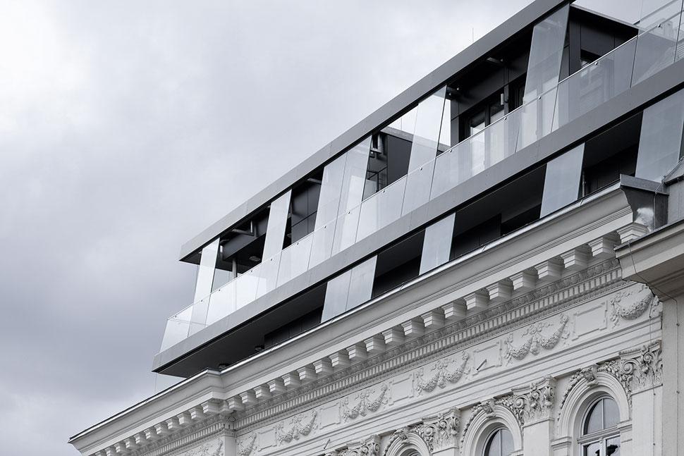 AVEST Immobilie in der Börsegasse 10, 1010 Wien. Dachgeschoßausbau mit Terrassen auf 2 Ebenen und Neufundierung des gesamten Hauses.