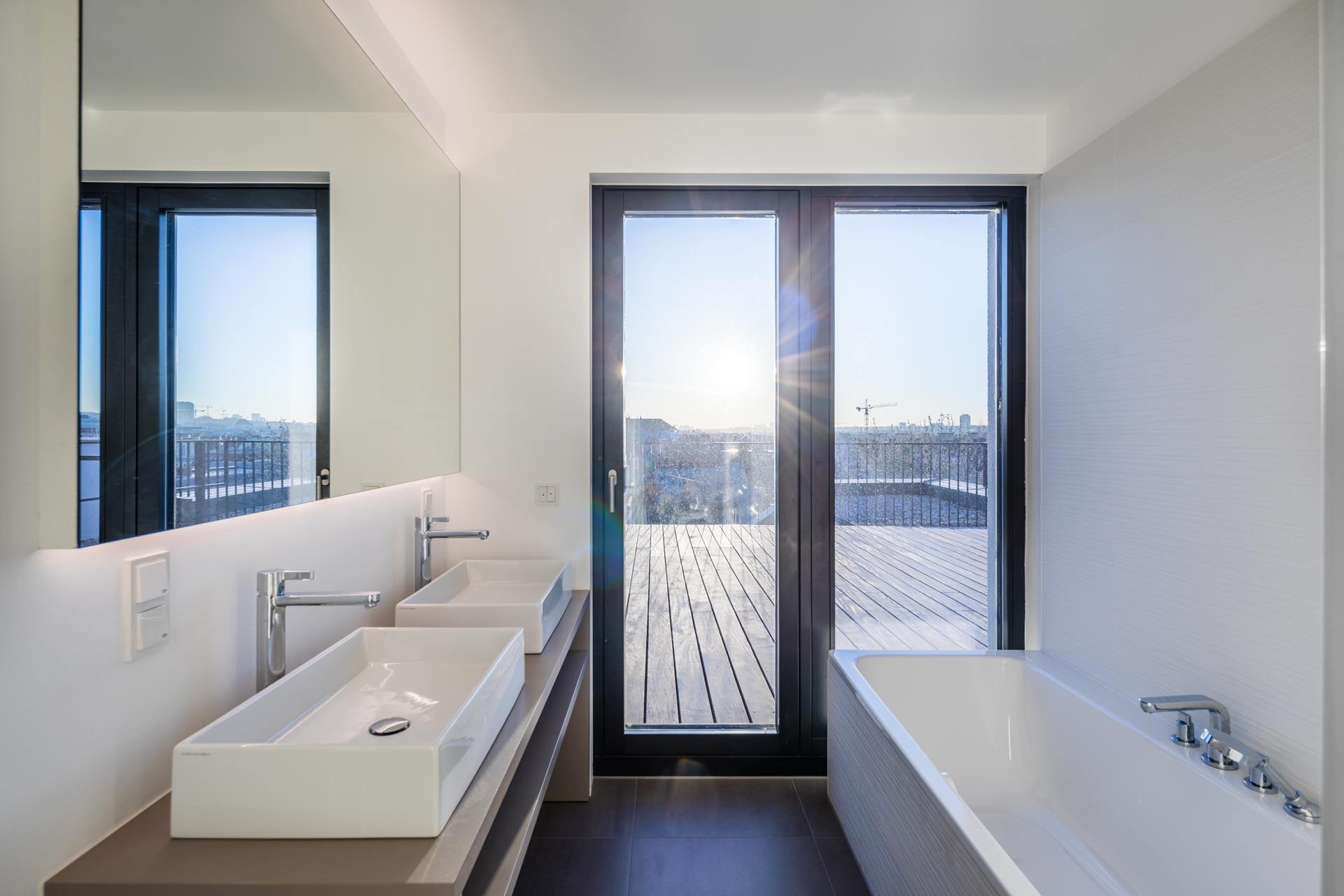 AVEST - Immobilie in der Hollergasse 40, 1150 Wien. Badezimmer Top 40